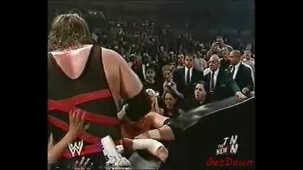 Мацка хваща Трите Хикса за Задника - Wwe Raw 23.06.2003