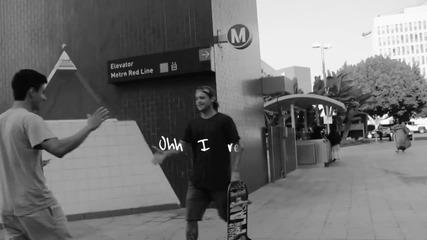 Превод! Най-чаканата песен това лято! Justin Bieber - What Do You Mean (lyric Video)