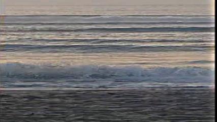 Изгрев с бурно море
