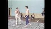 Руски нинджа показва начини на самоотбрана