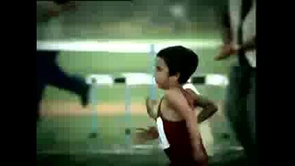 Race...реклама с мопсе