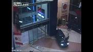 Обир На Банкомати В Прага