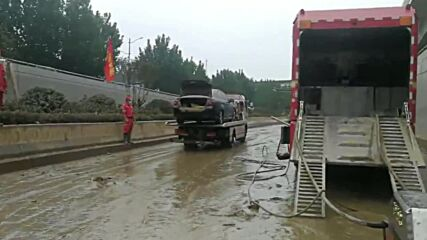 China: Rescue and clean-up operation underway after more than 100 cars trapped in Zhengzhou tunnel