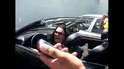 Britney Spears Си Удря Колата