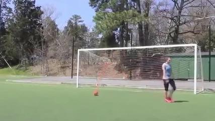 Момиче с невероятни футболни умения !!!