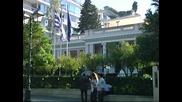 Самарас търси съгласието на коалиционните си партньори за съкращенията в бюджета