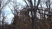 Ненормално дървено увеселително влакче