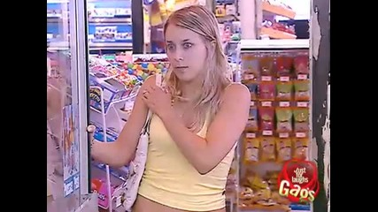 Заключен в хладилник - Скрита камера