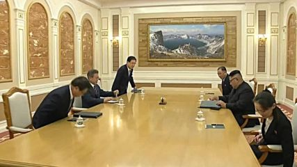 North Korea: Kim and Moon sit down for roundtable talks in Pyongyang