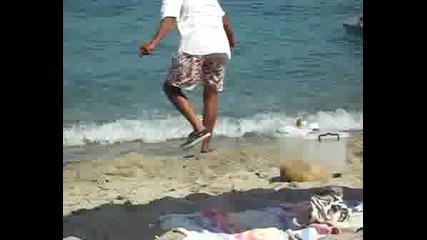Фичоза, Циганин Продава Царевица На Плажа