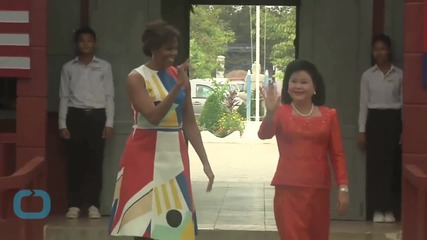 Michelle Obama to Cambodian Students: 'Follow Your Dreams'