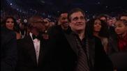 Селена обявява награда на Наргадите Грами 2011