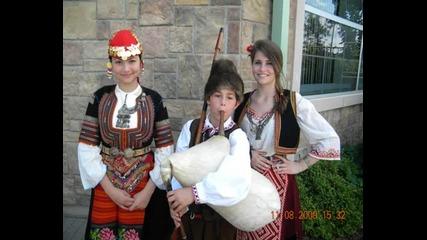 Анна - Моника - Момиче от Канада пее български фолклор
