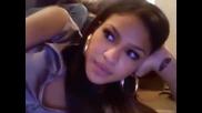Cassie Говори Пред Web - Камерата Си (Тя Е Много Сладкa И Доста HOT)