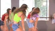 Ученички Танцуват По Физическо
