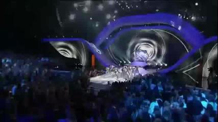 « Невероятното изпълнение на Джъстин Бийбър от T C A 2012 »