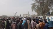 Afghanistan/Pakistan: Border crossing temporarily reopens after Taliban seizing of Spin Boldak