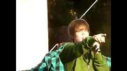 Justin Bieber singing Love Me - Live