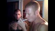 Момче пуши цигара на една дръпка!!!