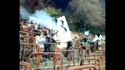 Агитката на Славия гостуваща на стадион комунистка армия