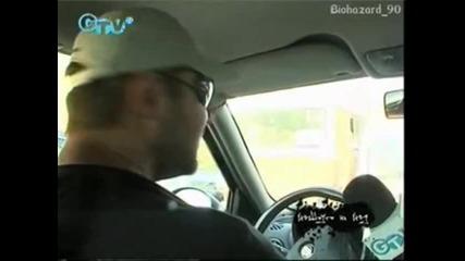Нед псува жена шофьор