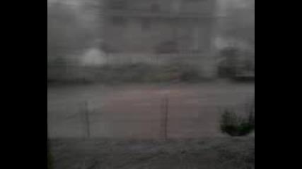 Пороен дъжд в Кнежа