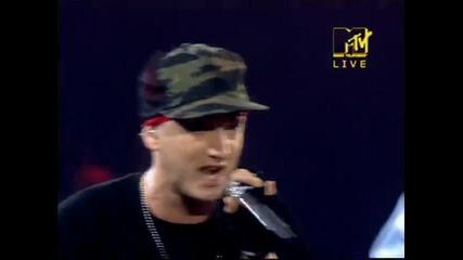 [високо качество] [ На живо от Рим] Eminem - Like Toy Soldiers & Just Lose It Ema 2004