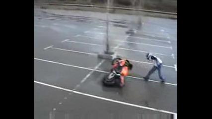 Honda cbr 1000cc Stunts