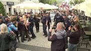 Poland: Police remove counter-protesters as nationalists march through Radom