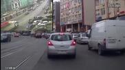 Вижте как действат мутрите в Киев! Тоя яко ще е сгафил, за да му изпратят толкова хора!