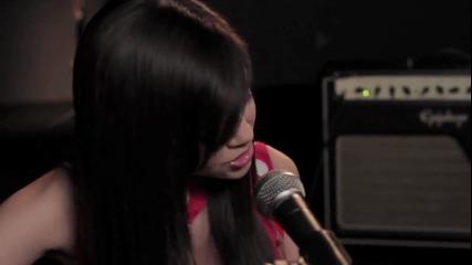 Момиче на 14 изпълнява песен на Rihanna, по-добре от нея