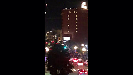 USA: Police car hits group of protesters crossing intersection in San Diego