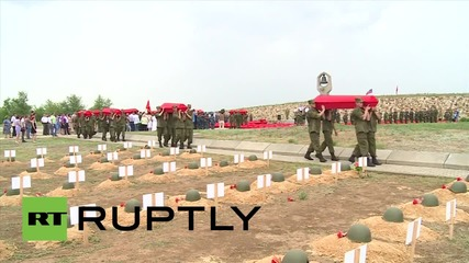 Russia: Defenders of Stalingrad receive belated funeral with military honours