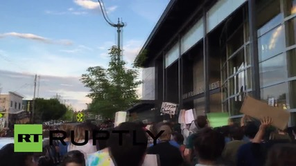 USA: Hundreds protest shooting of two unarmed men by police officer in Washington