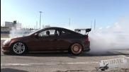 Състезание по палене на гуми в Тампa