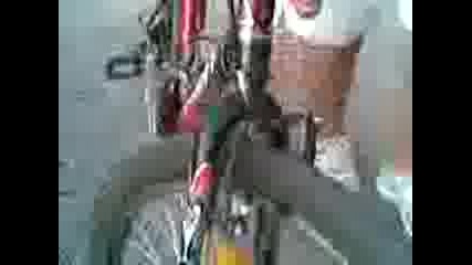Тръгването на Митко със здравото си колело към тях (rofl)