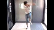Tecktonik Solo Dancing