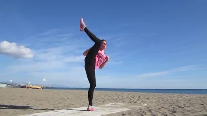 Една изключителна Жена Мотивира да спортуваме ! Chloe Bruce - Winter Wonderland