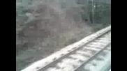 Влак 2613 минава през Елисейна