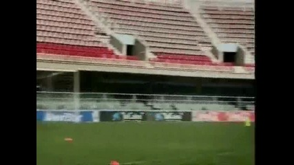 ronaldinho_training