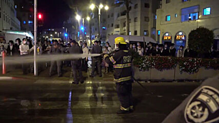 Israel: Streets on fire as ultra-Orthodox protest against COVID restrictions hits Bnei Brak