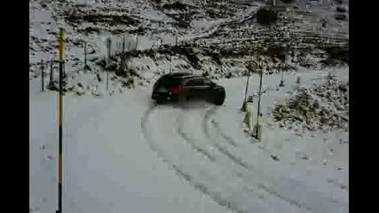 Audi Q7 Дрифт на сняг