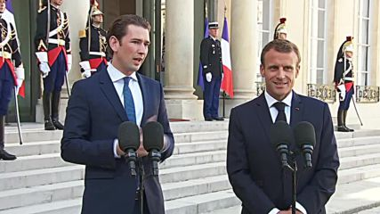 France: 'We must avoid a hard Brexit' - Macron talks Brexit, migration with Kurz