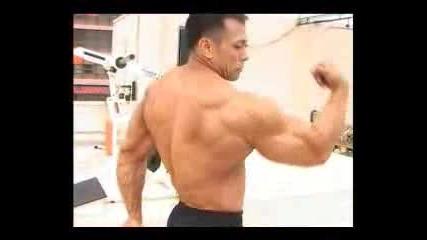 Jerrick Ternida Тренира За Рамо