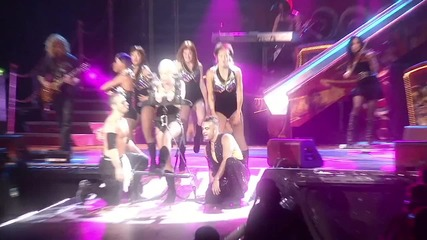 Pink - Funhouse Tour Live In Australia - 20 - Get The Party Started [hd]skm