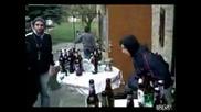 Ако попаднеш в маса с Алкохолици !