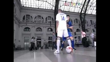 Роналдинио,анри,фабрегас,бекъм,лампард и Меси-играят за Пепси :)