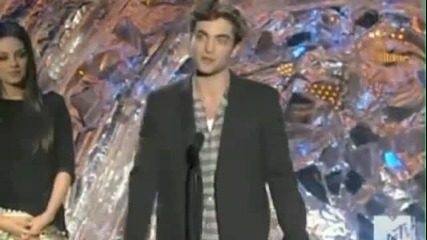 Rob Pattinson wins Best Male Performance - 2011 Mtv Movie Awards