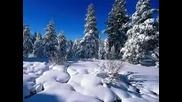 Из вън тихо сняг вали