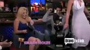 Nick Jonas и Megan Hilty размазват някакви неща - Watch What Happens Live
